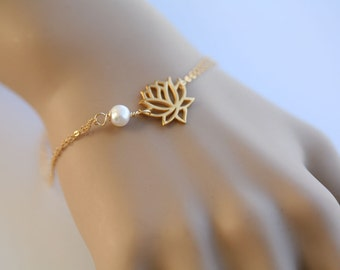 Lotus Bracelet,gold filled,Wire wrapped pearl.customize birthstone,bridesmaid gifts,birthday,simply daily jewelry,wire wrapped