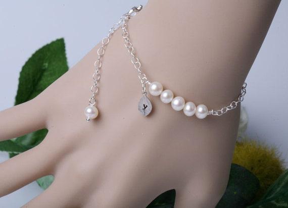 Original Wire wrapped pearl,Pearl bracelet,Leaf initial,Leaf bracelet,Monogram Custom initial Bracelet,Wedding Jewelry,Bridesmaid Gifts