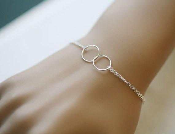 Best Friends Bracelet,Circle Bracelet,Eternity love circle,Sisterhood,Sterling Silver,wire wrapped,Wedding jewelry,Bridesmaid gifts