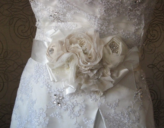 Reserved for Marie Bridal sash, ribbon belt, 5 flowers, Ivory, beige, sand, creamy, tulle, lace, rhinestone, shabby, rustic bride, vintage