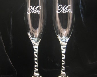 Mr. and Mrs. Personalized Wedding Toasting Flutes, Hand painted Champagne Glasses