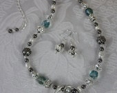 Winter Fashion Shell and Pearl Necklace and Earring Set