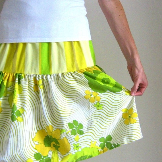 Women's Upcycled Skirt - Optic Poppies - Handcrafted from Vintage Linens
