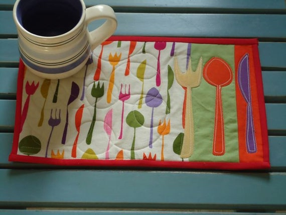 Appliqued Mug Rug, snack mat or small placemat,