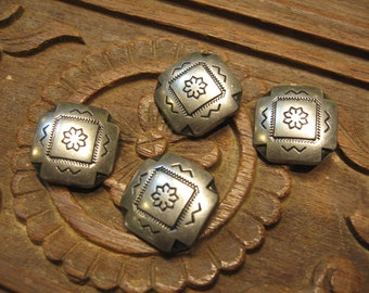 Lot of 4 pcs - Special  Octagon Flower Metal Buttons - Antique Silver