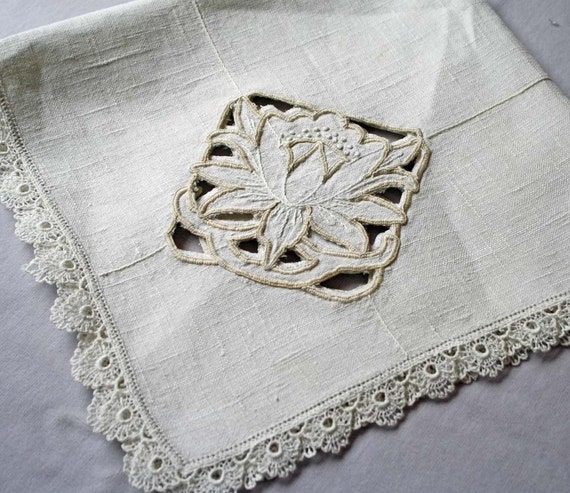 Vintage Linen Tablecloth with Lace trim and Cutwork Corner Medalions Off White