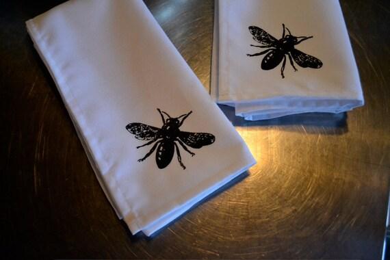B. Poetic Busy Bees Napkin Set