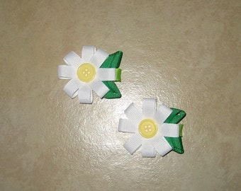 M2MG - A Pop of Daisies - White Daisy Flower Hair Clips - Set of Two - Perfect for pigtails
