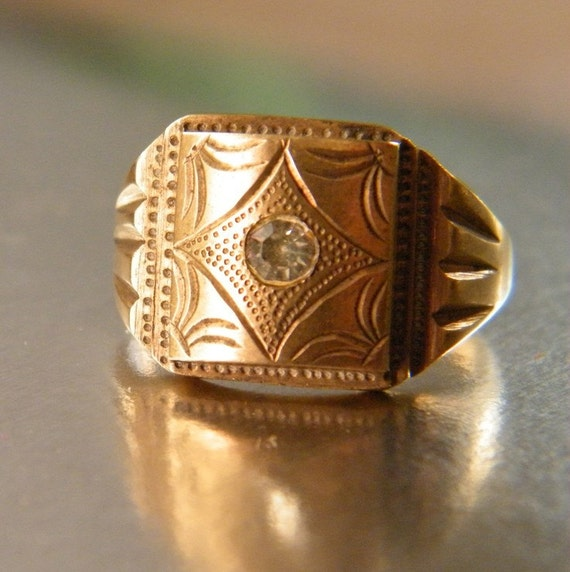 Antique Amazing mens jewelry Victorian Solid Gold 14k Engraving Ring. Circa 1900. US Size 9.5