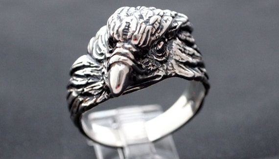 Vintage Style Eagle Head Ring in Sterling Silver