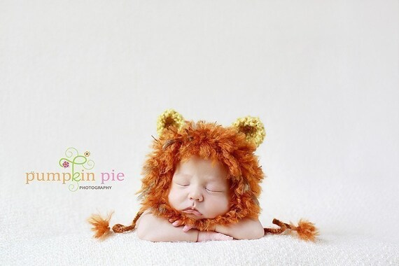 This baby lion hat makes for the sweetest newborn baby gift. Newborn baby photos look adorable when your baby boy or girl wears this hand crocheted lion hat. This precious little crocheted lion hat makes a darling upscale unisex baby gift.