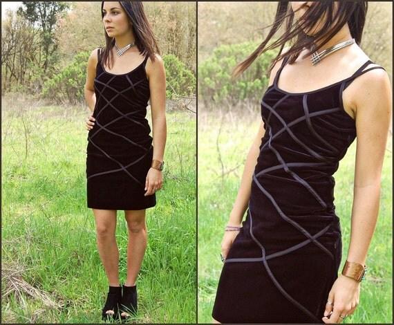 Vintage Black Velvet Body Con Bandage Dress with Geometric Detail Small