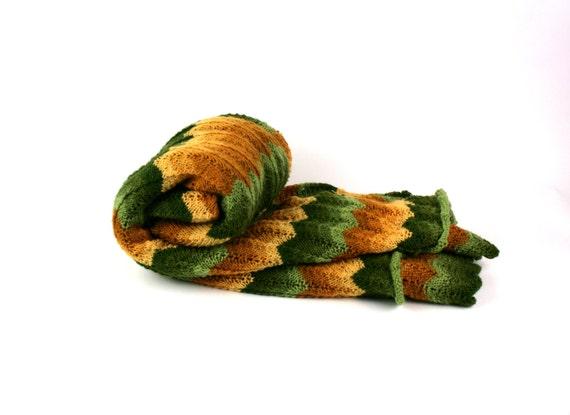 Vintage Afghan Blanket Knit Chevron Ripple Green Gold