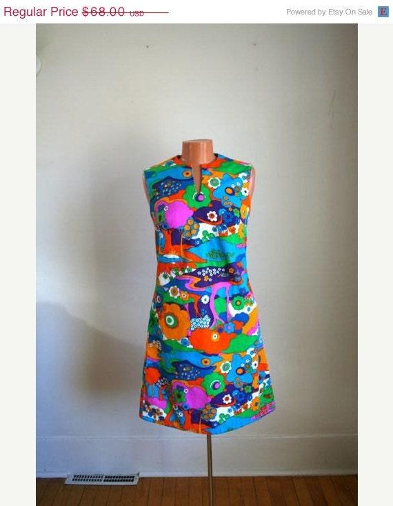 15% off VACATION SALE vintage 60s dress - LIBERTY Circle psychedelic novelty print shirt / S
