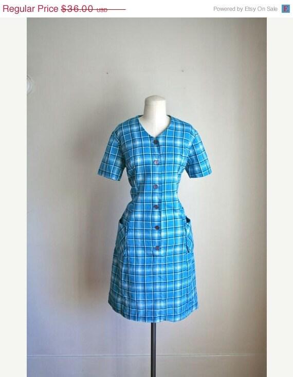 25% off Anniversary Sale vintage 60s blue dress - RAISED PLAID day dress / XL