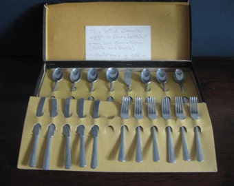 Adorable Child's Toy Cutlery Flatware Set