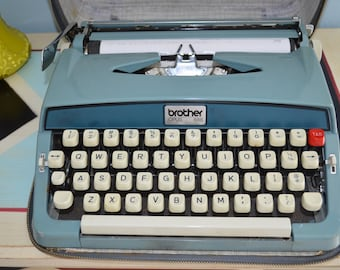 Vtg 60s Brother Opus 888 Portable Manual Typewriter/Case Decor Library