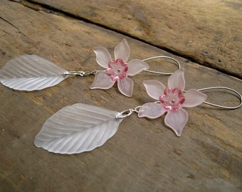 Daffodil  Earrings, pink and white flower statement earrings, beautiful spring or Easter dangle earrings
