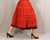 Vintage Full Skirt / German Folk Dirndl Skirt / Carmen meets Alpine meets Scotland / M L