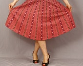 Vintage Circle Skirt / German Folk Dirndl Skirt / Dark Pink and Floral / Spring Fashion / XL XXL