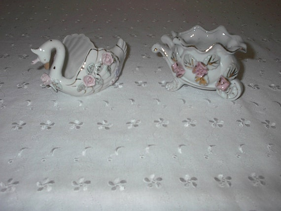 Victorian Swan and Cart Figurine 2 piece set