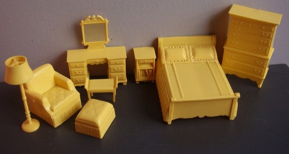 Vintage 1950s Dollhouse Bedroom Furniture By Twirlswithpearls