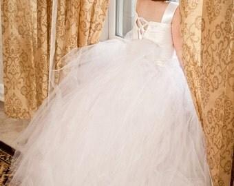 White flower girl dress, flower girl dresses, Tutu, Sewn tutus