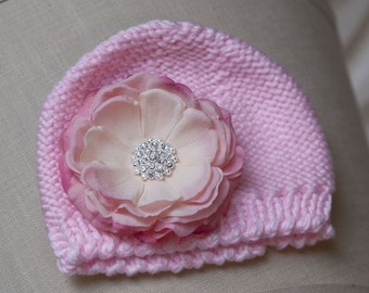Pink Newborn Crocheted Flower Hat with detachable vintage pink flower clip. PHOTOGRAPHY Gift Baby 0-6mnts.