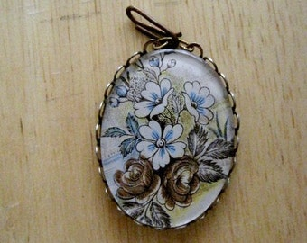 vintage colored lithograph cameo pendant in velvet box