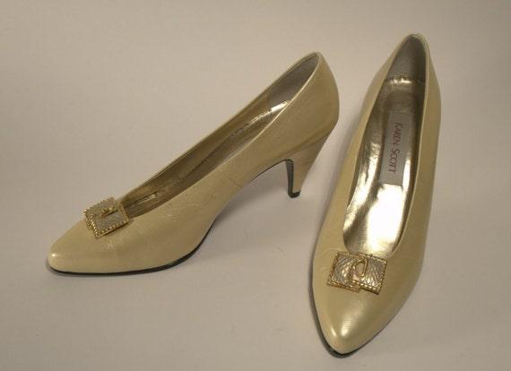 vintage KAREN SCOTT heels, 80's cream colored metallic pumps, sz. 9