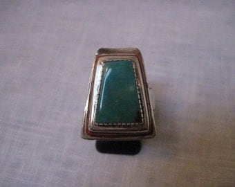 Vintage 70's turquoise and coral ring trapezoid shape