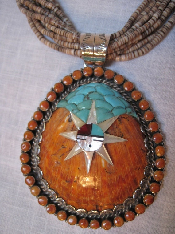 Santo Domingo heishi necklace signed