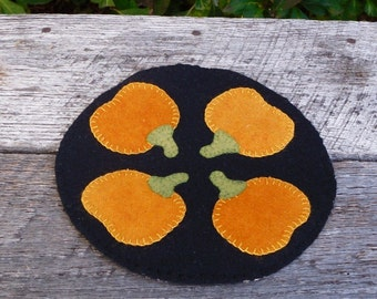 Pumpkin Patch Penny Rug / Candle Mat