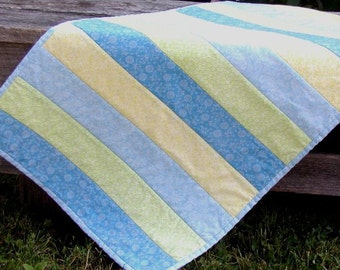 Summer at the Beach House Quilted Table Runner with matching Pot Holder