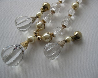 Chandelier pearls and  beads necklace/clip earrings/jewelry set/mid-century/glamour/vintage