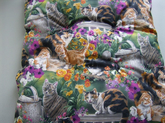 Fluffy Cat Bed, Beautiful Cat Fabric with multicolored cats