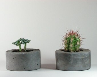Mini Round Concrete Planter