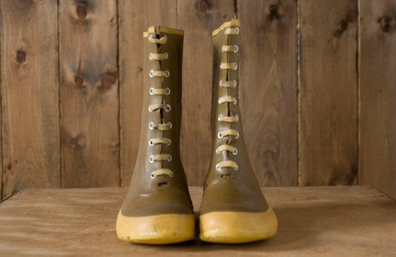 Vintage Rain Boots in Olive Green