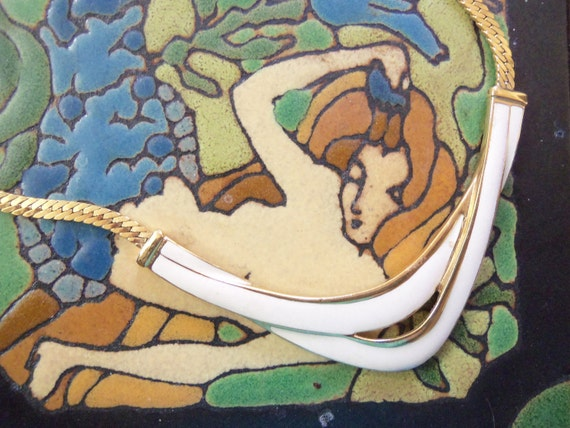 70s TRIFARI--Enamel Choker--White and Gold