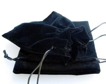 Wholesale Gift Pouches | Wholesale Black Velvet Pouches | Wholesale Jewellery Pouches | 14 by 17 cm | Bulk UK Gift Packaging