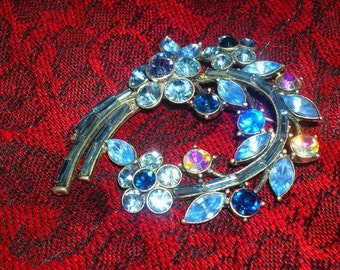 Interesting and Unique Shades of Blue Floral Brooch
