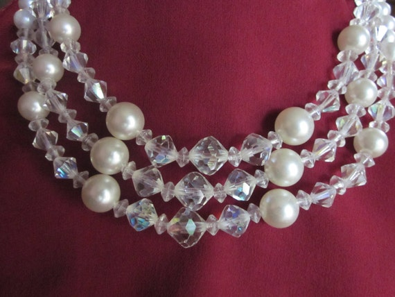 SALE - Snow Balls and Ice Crystals Vintage Necklace
