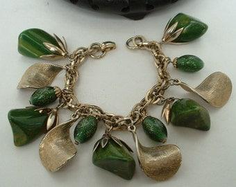 Vintage Chunky BAKELITE & Italian GLitter Glass Bead Dangle Charm Bracelet 1940 Original