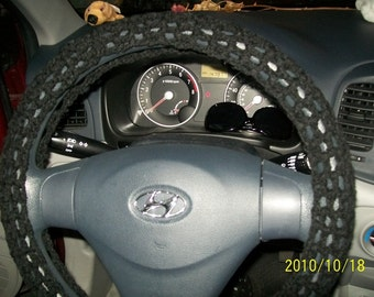 Crochet steering wheel cover