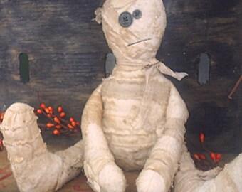 Primitive Mummy doll raggedy shelf sitter