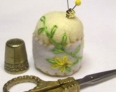 YELLOW DAISIES HAND STITCHED PIN CUSHION  OFG TEAM
