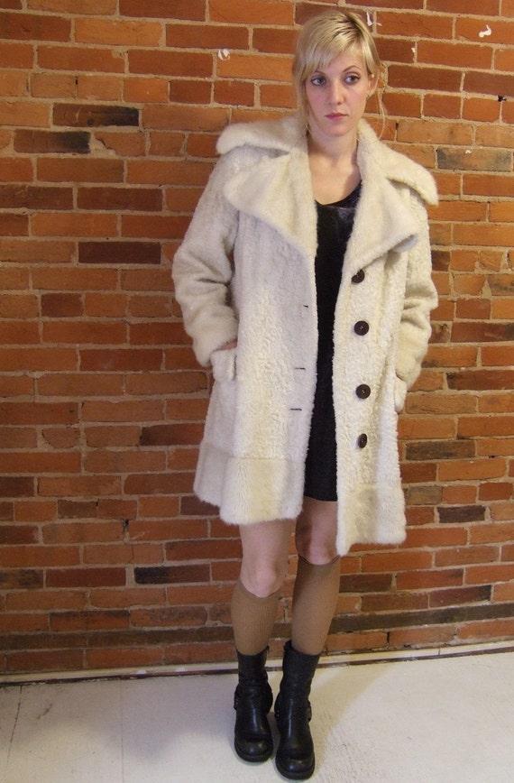 Mod 60s white faux fur Ice Princess coat size M