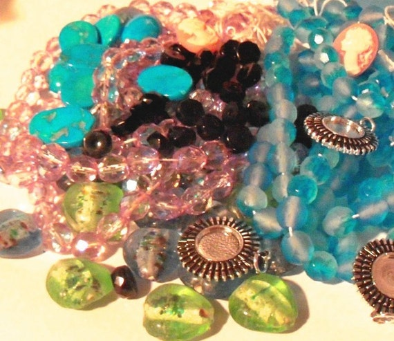 Beaded Diva Mystery Bag of Beads and Findings 125 pieces