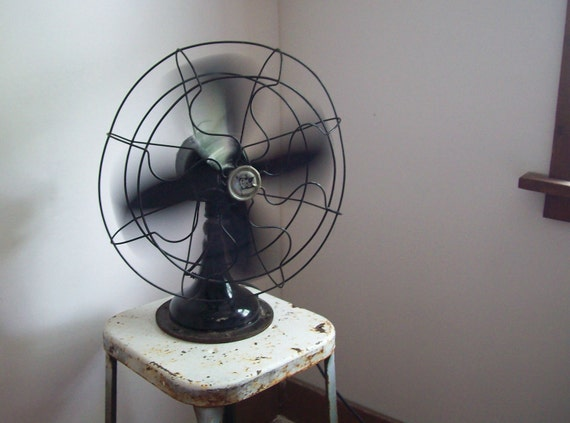 1940s Robbins & Myers industrial electric oscillating fan works great original paint