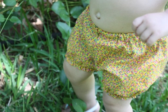 bitty booty bloomers PDF PATTERN/SEWING TUTORIAL sizes 0/6 mos to 4T